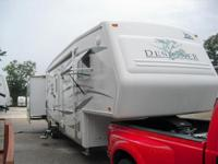 Description Make: Jayco Year: 2006 Condition: Used QUAD