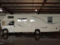 DescriptionUP FOR SALE IS A 2006 JAYCO ESCAPE 28 ZSLP