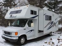 ,,,I am selling this very nice 2006 Jayco Greyhawk 27DS