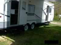 2006 Jayco Jay Flight This travel trailer is self