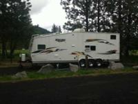 2006 Jayco Talon M32D Toy Hauler This Jayco is fully