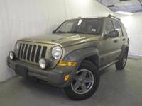 Exterior Color: green, Body: Sport Utility, Engine: 3L