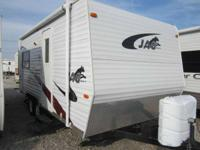 21 Ft. Travel Trailer with Rear slide out queen bed