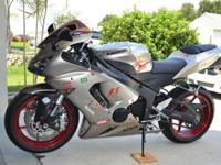 Here is a stunning 2006 Ninja ZX6R 636 model with only