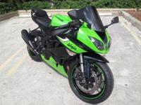 Up for sale, 2006 Kawasaki ZX-6R 636cc, like new, only
