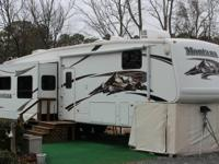 2006 Keystone Recreational Vehicle Montana. This