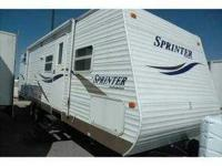 2006 KEYSTONE SPRINTER 30 3BHS less than 200 miles on