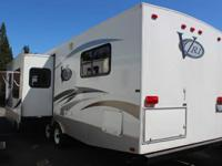 This Camper is in Excellent Condition! 2006 Keystone