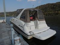 This 2006 Larson 330 Cabrio is a one owner fresh water
