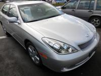 New Arrival! Low miles for a 2006! Multi-Zone Air