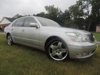 ** THIS LEXUS WAS A ONE OWNER CAR WITH A CLEAN VEHICLE
