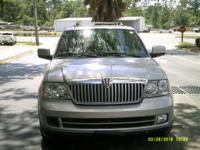 Options:  2006 Lincoln Navigator  Leather 3Rd Row