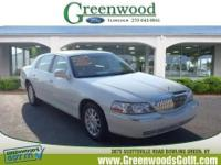 New Arrival! This 2006 Lincoln Town Car Signature will