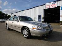 This Sharp, 2006 Lincoln Town Car Signature Series with
