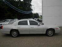 Options:  2006 Lincoln Town Car Signature