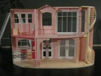 Beautiful, vintage ... Barbie Dream House with winding