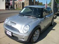 Summer Fun in this super cool 2007 Mini Cooper with