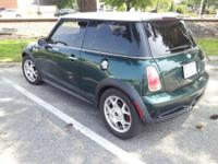 UP FOR SALE 2006 MINI COOPER S MANUAL 6 SPEEDS GREEN