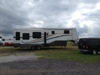 FOR SALE: 2006 MOBILE SUITE MODEL 33RS3. THIS 33 FOOT