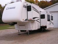 2006 Newmar Cypress M-29KSRE. Three slides- Sleeps four