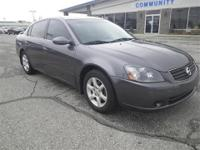 New Arrival! *Priced below Market!* This 2006 Nissan
