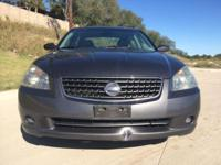2006 Nissan Altima Grey metallic with grey fabric