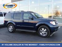 Come see this 2006 Nissan Pathfinder SE. Its Automatic