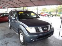 2006 Nissan Pathfinder SE Sunroof, BOSE sound system,