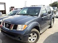 The 2006 Nissan Pathfinder has an excellent blend of