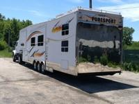 2006 Open Road Puresport Fifth Wheel, model 2812, AM/FM