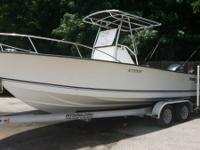 2006 Palm Beach 2305 ft 200hp Yamaha 4 stroke Motor and