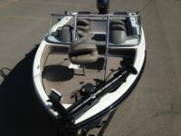 -Yamaha F115 4-stroke motor with hydraulic steering,