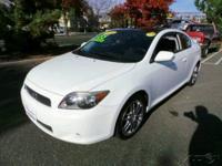 17 Inch Wheels, Adjustable Rear Headrests, Antenna,