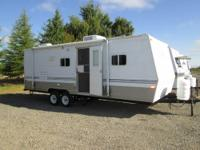 2006 Skyline Layton Limited trailer w/bunks..only 3,705
