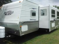 Beautiful 27' Travel Trailer Springdale 267 BHSSR with