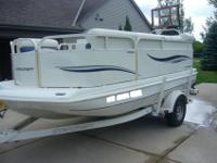 For sale: 2006 Starcraft FD161 deck boat. It has bimi