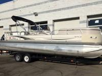 ,.,2006, 27.5 foot Sun Tracker Party Barge with an 8