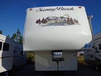 2006 SUNNYBROOK TITAN 5TH WHEEL W/2 SLIDE OUTS 31 FT