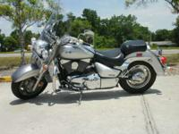2006 Suzuki Boulevard C90 Super low miles Comes with