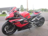 YOU ARE WATCHING ON AN AWESOME BIKE!! 2006 GSXR