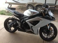 We are the second owners of this 2006 Suzuki GSXR-600.