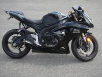 Here is a 2006 Suzuki Gsxr 600 in gloss-matte black.