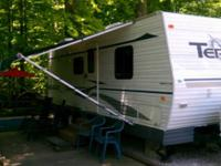Excellent condition 27' 2006 Terry camper.  Sleeps