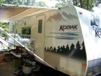 2006 Thor Kodiak Travel Trailer in Excellent Condition