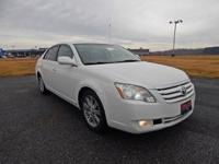 Exterior Color: pearl white, Body: 4dr Car, Engine: Gas
