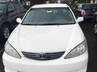 White 2006 Toyota Camry LE FWD 5-Speed Automatic with
