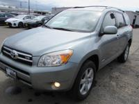 EPA 28 MPG Hwy/21 MPG City! Sunroof, Heated Seats,