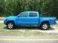 Only 46000 Miles. 2006 Toyota Tacoma 4 wheel Drive