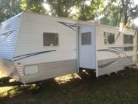 34ft Travel Trailer with 1 large slide (Dinette and