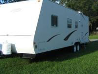 READY TO CAMP.... Sleeps 6; Full Kitchen and Bathroom